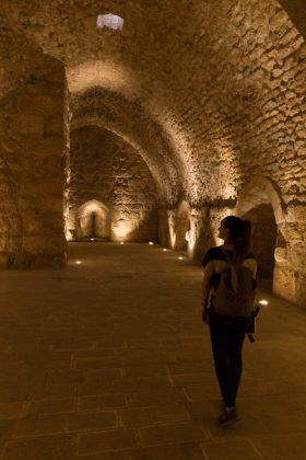 Descubriendo cámaras del castillo de Ajlun en solitario