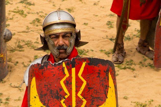 Representación teatral con legionarios romanos en el hipodromo de Jerash