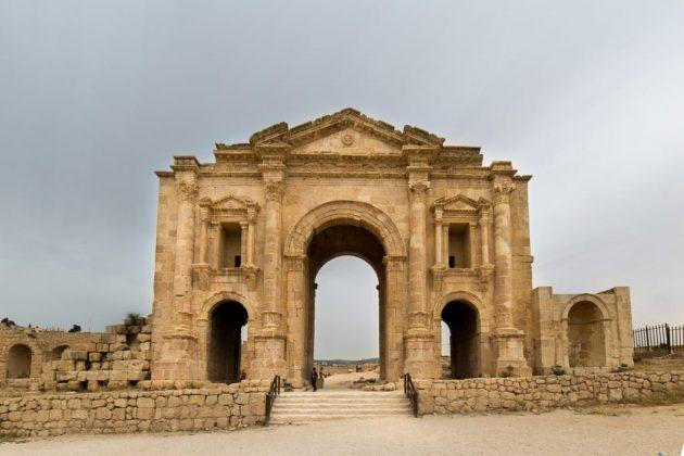 Puerta de Adriano, en Jerash