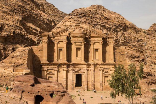 Fachada del Monasterio de Petra