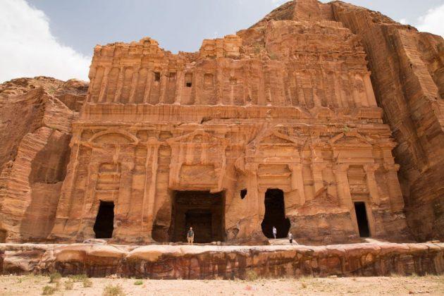 Fachada de la Tumba del Palacio en Petra