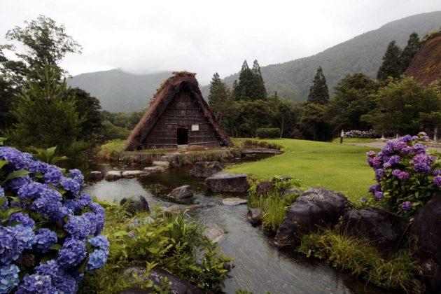 Casa tradicional tipo gassho-zukuri (Shirakawa-go, Japón)