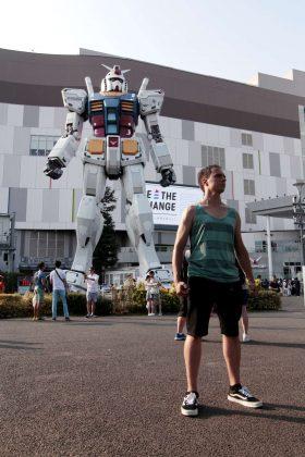Estatua de Gundam en la isla de Odaiba (Tokio, Japón)